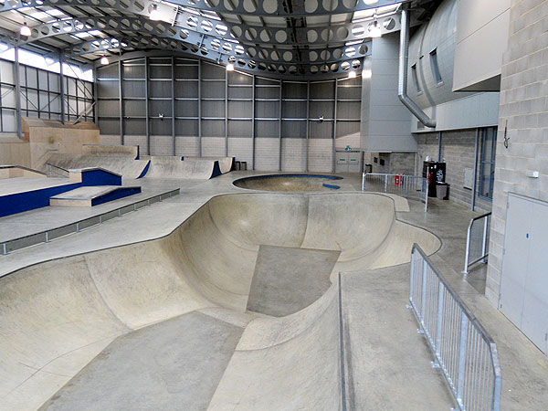 Midas construction uk skatepark photo gallery page 1 for Indoor skatepark design uk